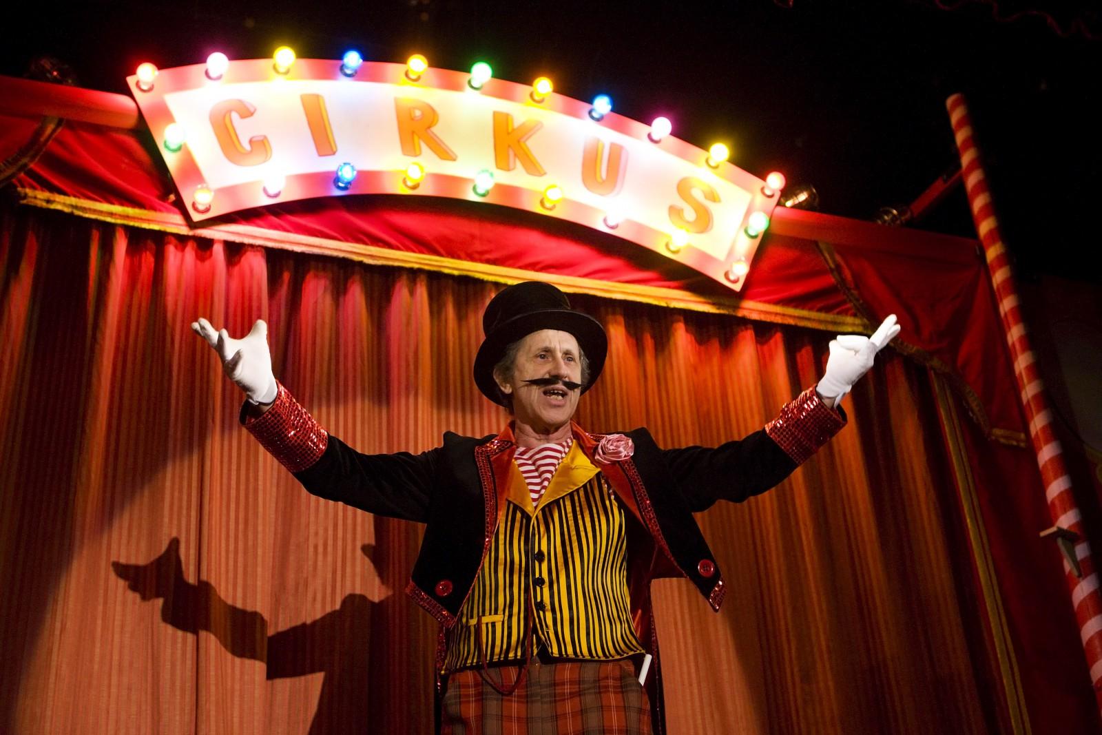 Podivuhodný cirkus Dr. Tarzana